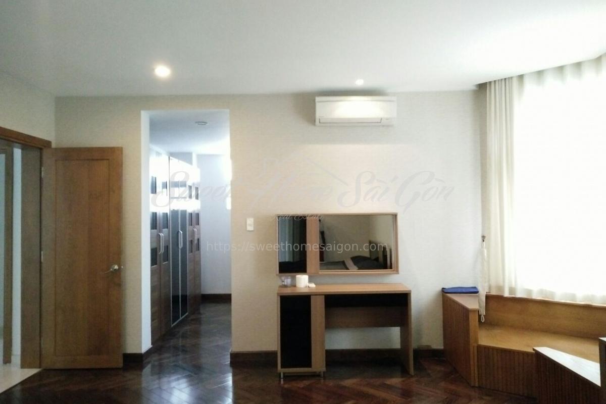 Tan Phu ward,District 7,Ho Chi Minh City,Vietnam,4 Bedrooms Bedrooms,4 BathroomsBathrooms,Villa,My Van 1,1052